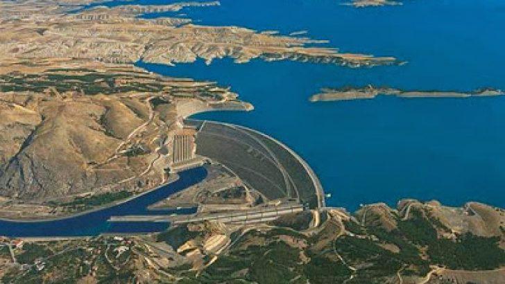 Atatürk Baraji ve Hidroelektrik Santrali